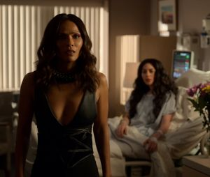 """""""Lucifer"""": na 2ª parte da 5ª temporada, Maze (Lesley-Ann Brandt) e Eva (Inbar Lavi) ficam juntas"""