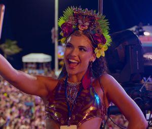 """Netflix lançou """"Carnaval"""" e o filme surpreende com reflexões sobre as redes sociais"""