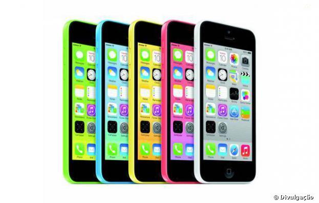 Novos iPhones chegam ao Brasil no fim do mês