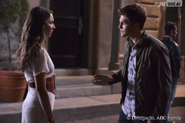 """Spencer e Toby têm muito o que discutir, nas fotos promocionais da 5ª temporada de """"Pretty Little Liars"""""""