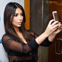 """Aprenda a tirar uma """"selfie"""" perfeita em 3 melhores poses!"""
