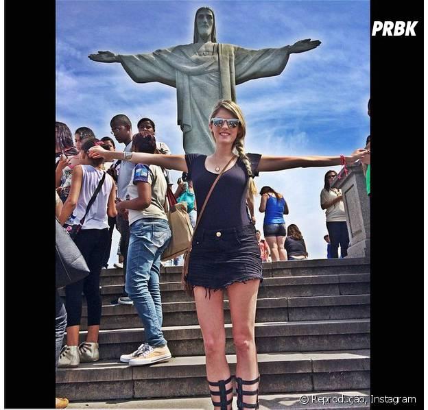 Bárbara Evans visita o Cristo Redentor e outros pontos turísticos