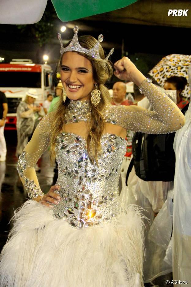 Juliana Paiva desfilou pra Grande Rio em 2014!