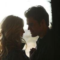 """Em """"The Vampire Diaries"""": Na 6ª temporada, Stefan (Paul Wesley) e Caroline finalmente se beijam!"""