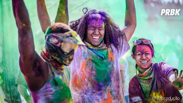 Festival Holi na Índia reúne milhares de pessoas todo ano, a bagunça é fundamental para a festa