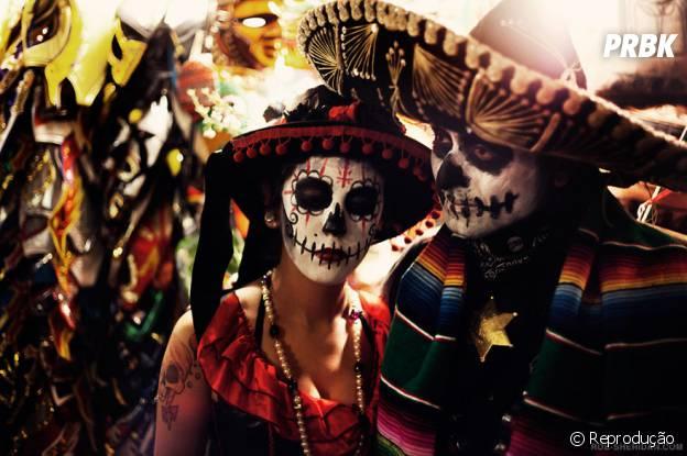 Día de Muertos – México, assustador mas muito bonito. As pinturas no rosto são características fortes no festival
