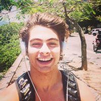 """Rafael Vitti, de """"Malhação"""", arrasa no skate e posta fotos e vídeos no Instagram"""