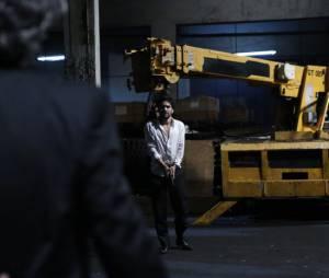 "José Pedro (Caio Blat) mira em José Alfredo (Alexandre Nero) no final de ""Império"""