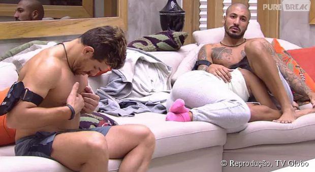 """""""BBB15"""": Cézar e Fernando falam sobre vitória de Amanda na prova de resistência"""