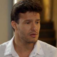 """Novela """"Alto Astral"""": Ricardo (Nando Rodrigues) acha que Cidinha (Monica Iozzi) gosta de Afeganistão"""
