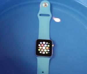 Apple Watch passa no teste de resistência e fica 15 minutos embaixo d'água