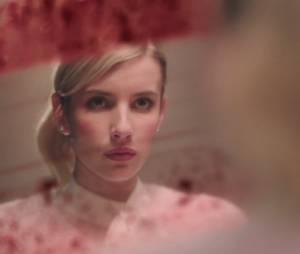 """Emma Roberts tem um assassino bem escondido no seu quarto em """"Scream Queens"""""""
