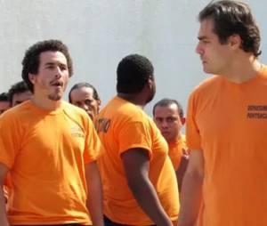 """Marcos (Thiago Lacerda) foge da cadeia após iniciar rebelião em """"Alto Astral"""""""