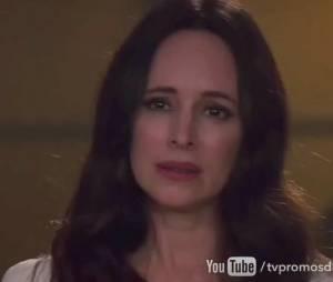 """Em """"Revenge"""", Victoria (Madeleine Stowe) fica cara a cara com Emily (Emily VanCamp)"""