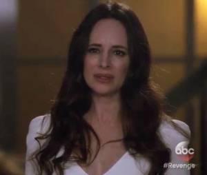 """Victoria (Madeleine Stowe) espera pelo acerto de conta com Emily (Emily VanCamp) em """"Revenge"""""""