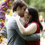 """Último capítulo de """"Alto Astral"""": Israel (Kayky Brito) e Bia se beijam durante casamento de Laura!"""