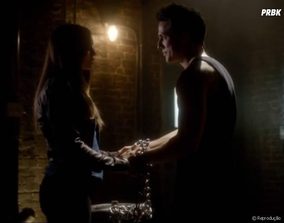 """Elena (Nina Dobrev) pediu que Tyler (Michael Trevino) aceitasse sua natureza de lobisomem em """"The Vampire Diaries"""""""