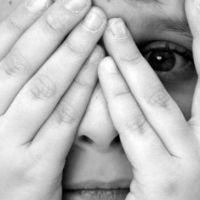 Palhaço, gente feia e cores: descubra as fobias mais bizarras que existem no mundo!