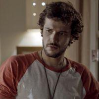 """Novela """"Sete Vidas"""": Pedro (Jayme Matarazzo) tem ataque de ciúmes e ataca Felipe (Michel Noher)!"""