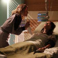 """Novela """"I Love Paraisópolis"""": Margot (Maria Casadevall) sofre tentativa de assassinato de Soraya!"""