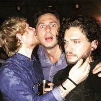 "Ed Sheeran e Kit Harington, o Jon Snow de ""Game of Thrones"", se divertem juntos em festa"