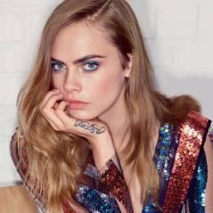 """Cara Delevingne, de """"Cidades de Papel"""", assume namoro com mulher na capa da Vogue"""