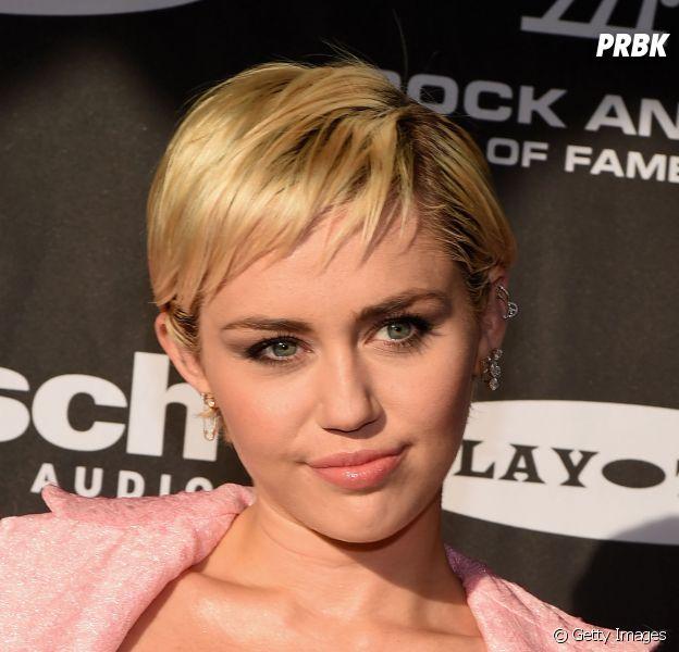 Miley Cyrus pode estar preparando surpresa para o final de semana!