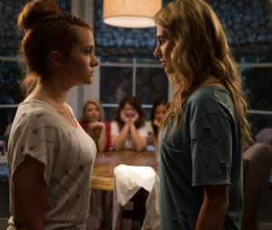 """Em """"Faking It"""", Karma (Katie Stevens) não conseguiu recuperar a confiança em Amy (Rita Volk)"""