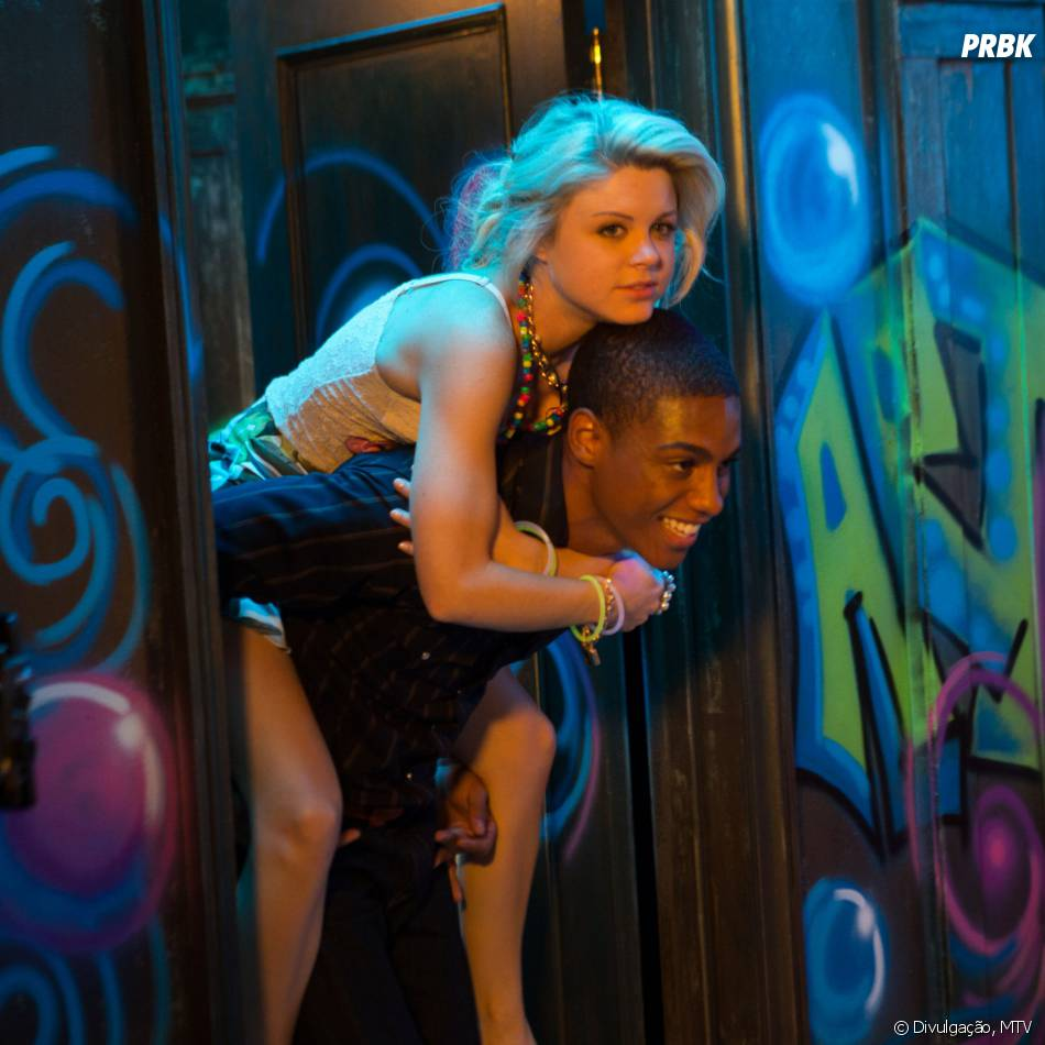 "Lauren (Bailey De Young) vai reencontrar Theo (Keith Powers) em ""Faking It""?"