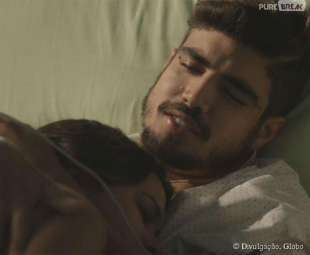 """Grego (Caio Castro) e Mari (Bruna Marquezine) ficam no maior love em """"I Love Paraisópolis"""""""