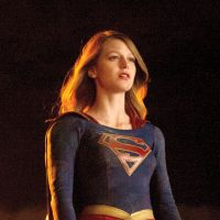 "De ""Supergirl"": Melissa Benoist, a mocinha Kara, compara a série estreante com ""The Flash"" e ""Arrow"""
