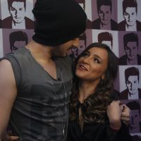 """Luan Santana pede finalista do """"Iluminados"""" em namoro nos bastidores da sua turnê e fãs piram!"""