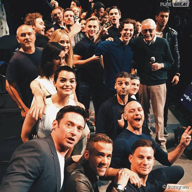Stan Lee, da Marvel, tira selfie na Comic-Con 2015