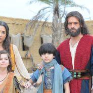 """Novela """"Os Dez Mandamentos"""": Moisés, Zípora e filhos se despedem da família e vão para o Egito"""