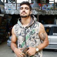 """Caio Castro, o Grego de """"I Love Paraisópolis"""", torce por final trágico do personagem: """"Podia morrer"""""""