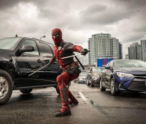 """""""Deadpool"""" está sempre divulgando novas fotos incríveis"""