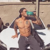 Lucas Lucco posta foto sem blusa, suado e enlouquece os fãs no Instagram