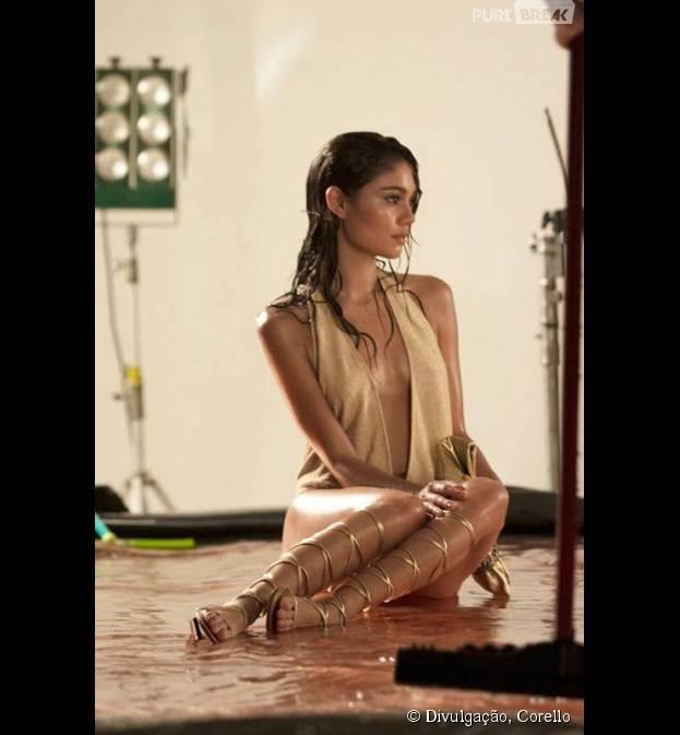"""Além de cabelão, Sophie Charlotte, de """"Babilônia"""", aparece com decote sensual em nova campanha"""