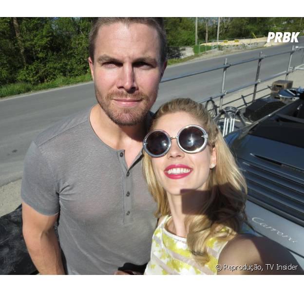 """Será que Felicity (Emily Bett Rickards) tem que se preocupar com Oliver (Stephen Amell) em """"Arrow""""?"""