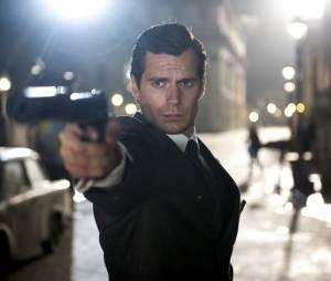 """O Agente da U.N.C.L.E."" estrela Henry Cavill, de ""Batman Vs Superman"""
