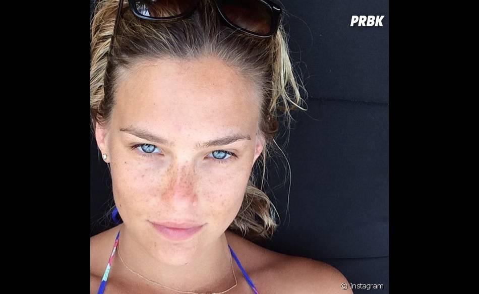 A modeloBar Refaeli e esse rostinho natural de causar inveja em qualquer um