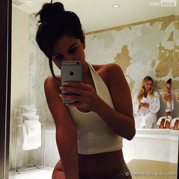Selena Gomez publica foto de calcinha e faz os fãs pirarem!