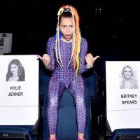"""Miley Cyrus alfineta Nicki Minaj sobre polêmica no VMA 2015: """"Eu não respeito sua declaração"""""""