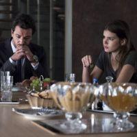 """Novela """"Verdades Secretas"""": Carolina pega Angel (Camila Queiroz) na mentira e questiona a filha!"""