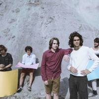 Banda Dônica, atração do Rock in Rio 2015, promete conquistar o público com som inovador no Sunset