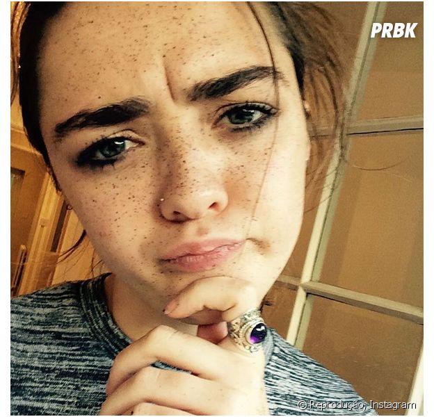"""Maisie Williams, de """"Game of Thrones"""", presenteia os fãs com novidade no Youtube"""