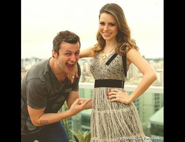 Sandy anuncia em seu Facebook que está grávida de seu marido, Lucas Lima. A cantora está no seu terceiro mês de gestação!