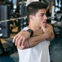 """Arthur Aguiar, da """"Dança dos Famosos 2015"""", mostra a rotina na academia que mantém seu corpo sarado"""