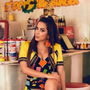 """Anitta comemora sucesso do hit """"Deixa Ele Sofrer"""" e anuncia novo clipe nas redes sociais!"""