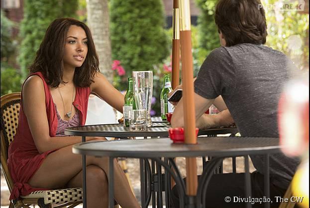 "Em ""The Vampire Diaries"": Bonnie Bennett (Kat Graham) ganha um amor misterioso na 7ª temporada"